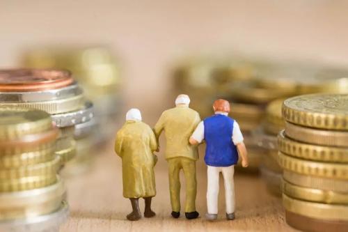 重阳节大调查:多少钱才够养老?
