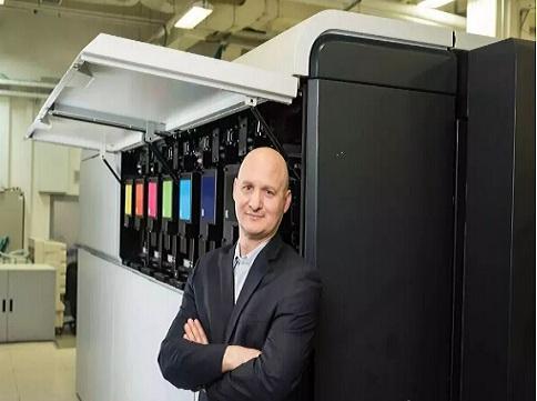 兰达纳米数字印刷机性能优越 传统印刷设备来日无多